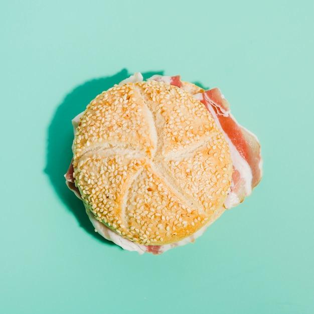 Pain au jambon Photo gratuit