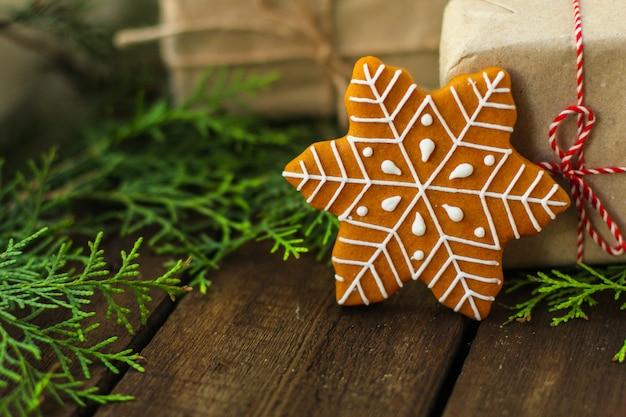 Pain d'épice. cadeaux et vacances, noël bonne année Photo Premium