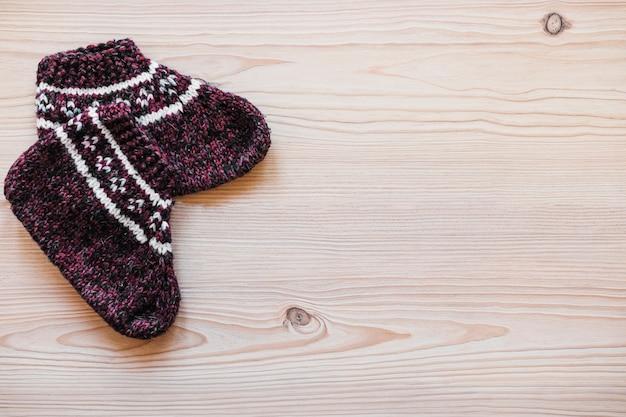 Paire de chaussettes tricotées Photo gratuit