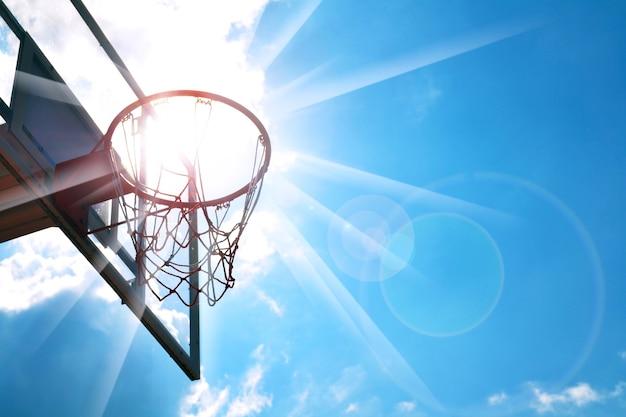 Panier de basket Photo Premium