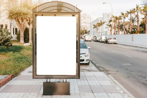 panneau blanc vide l 39 arr t de bus t l charger des photos gratuitement. Black Bedroom Furniture Sets. Home Design Ideas