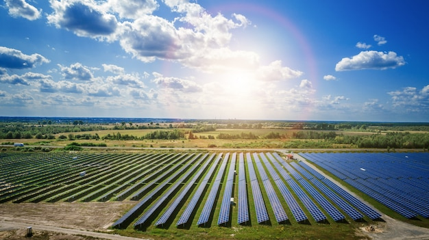 Panneaux solaires en vue aérienne Photo Premium