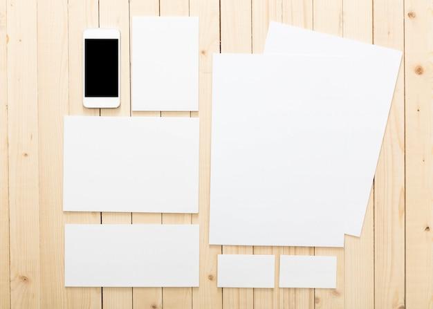 Papeterie vierge définie pour l'identité de marque, vue de dessus Photo Premium