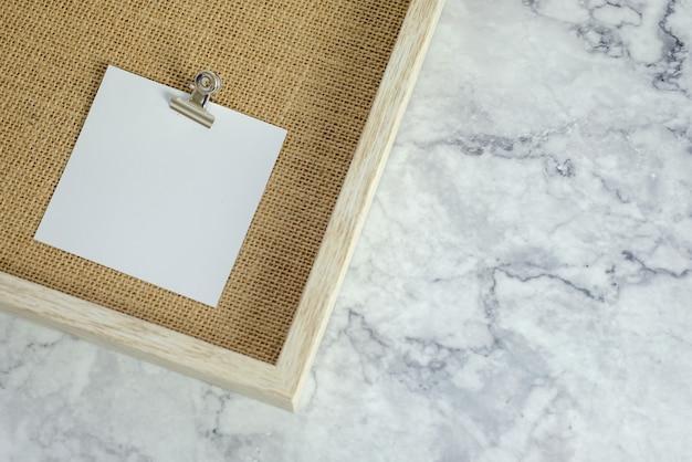 Papier blanc vierge mock up for design. Photo Premium