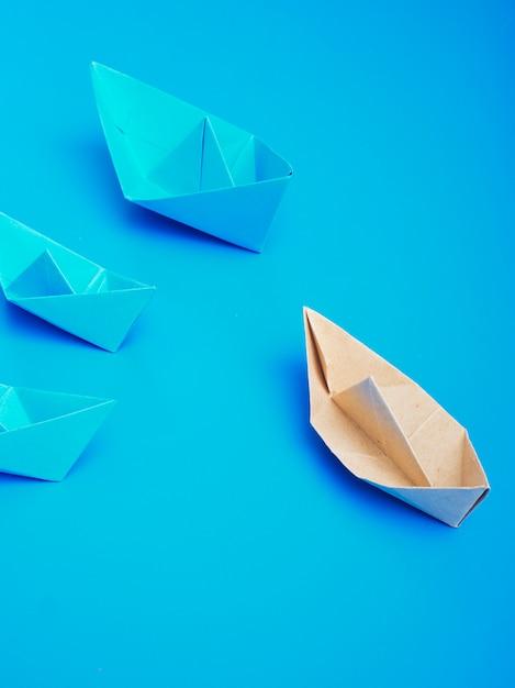 Papier pour bateau concept origami Photo Premium