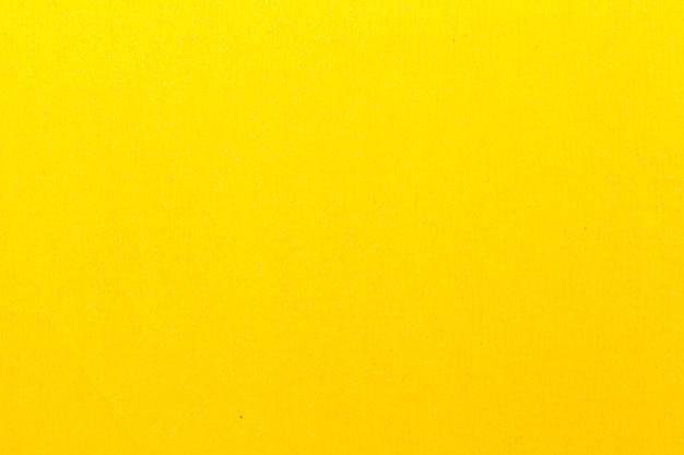 Papier De Verre Jaune Pour Le Polissage. Utilisé Dans Les Travaux De Construction Photo Premium