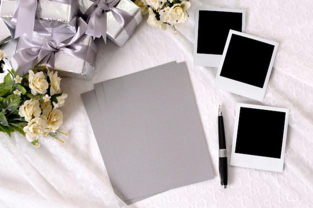 Papiers de mariage vierges avec photos Photo gratuit