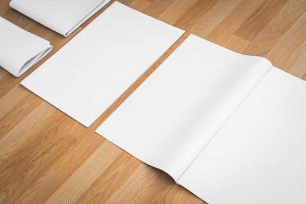 Papiers et un tampon vierge Photo gratuit