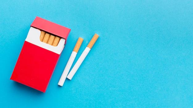 Paquet De Cigarettes Avec Copie-espace Photo gratuit
