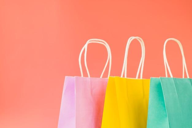 Paquets d'achats colorés Photo gratuit