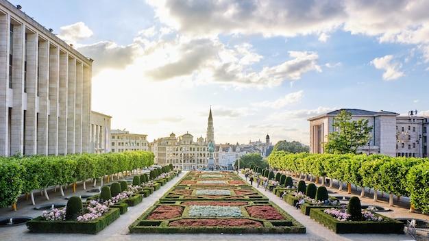 Le parc du mont des arts à bruxelles, belgique Photo Premium