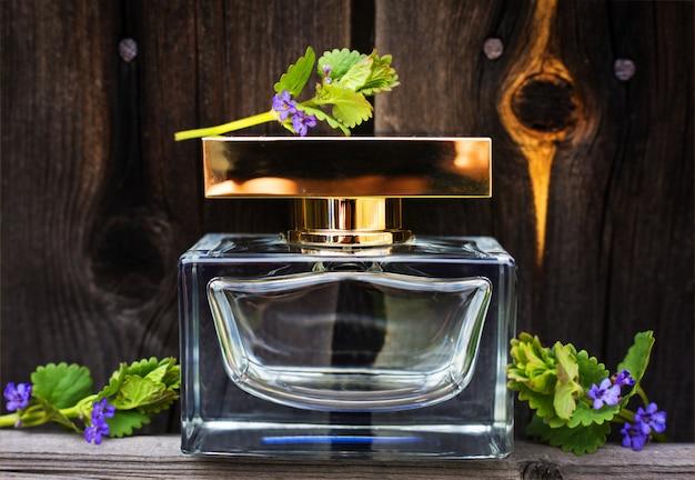 Parfum Aux Fleurs Printanières Photo Premium