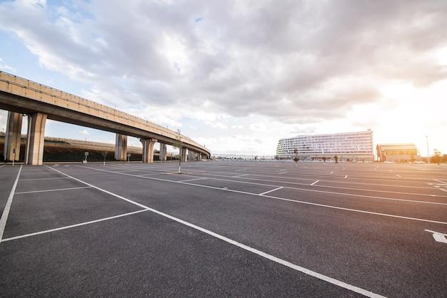 Parkinglot Commuer Espace Extérieur Auto Photo gratuit