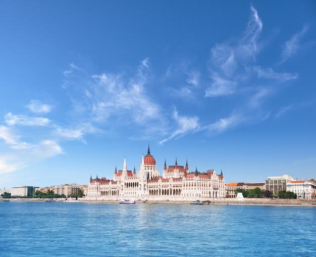 Parlement à budapest, hongrie Photo Premium