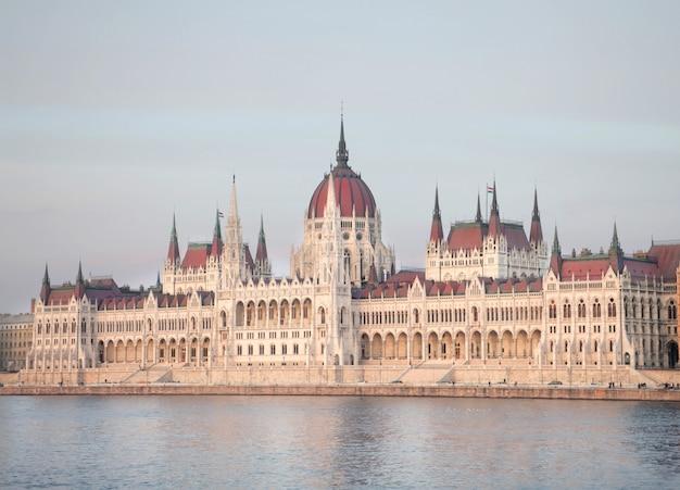 Parlement hongrois à budapest Photo Premium