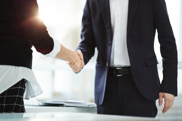 Partenariat Dans Les Affaires Photo gratuit