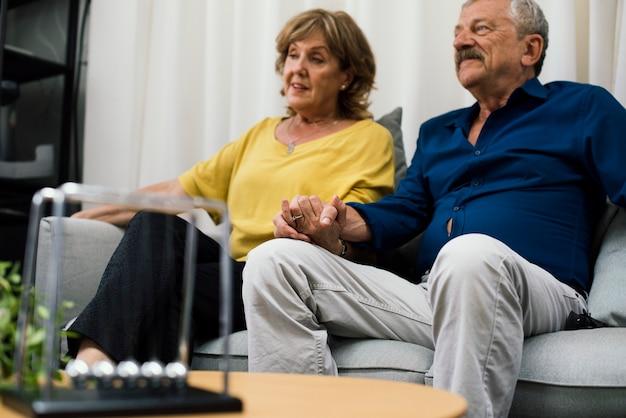 Patients déprimés se faisant soigner par un psychologue Photo Premium