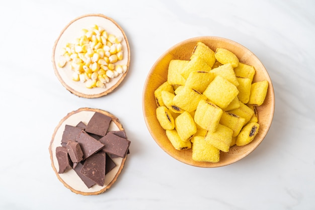 Pâtisseries Au Maïs Et Au Chocolat Photo Premium
