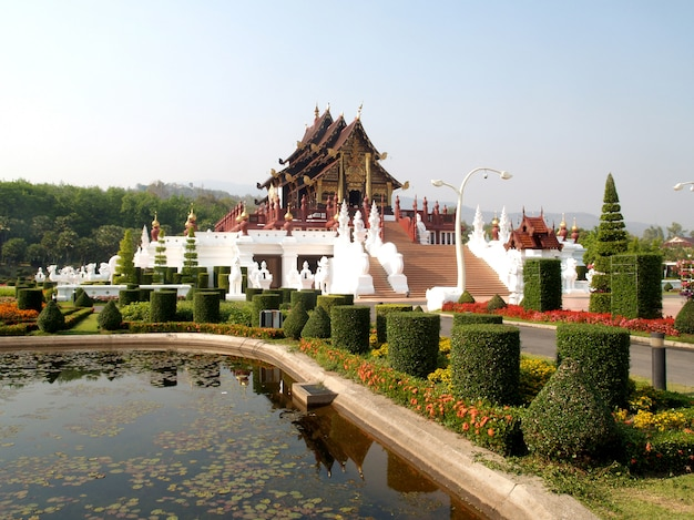 Pavillon royal, chiang mai, thaïlande Photo Premium