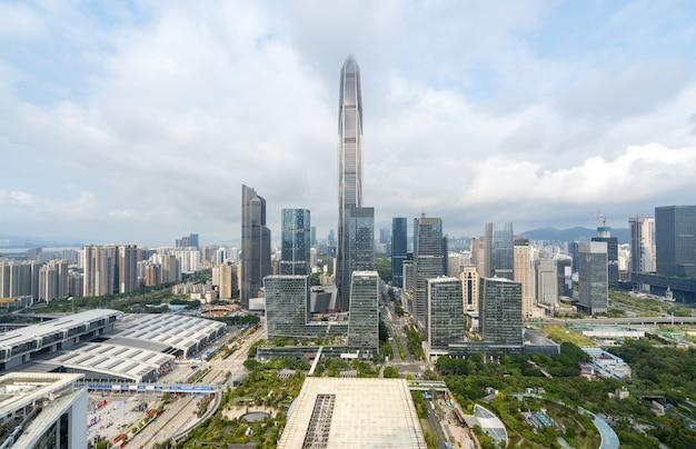 Paysage d'architecture urbaine moderne à shenzhen, en chine Photo Premium