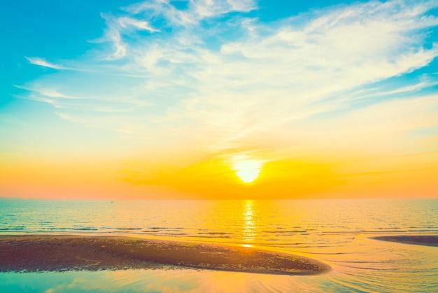 Paysage Lever Couleur Blanche De La Lumière Du Soleil Photo gratuit