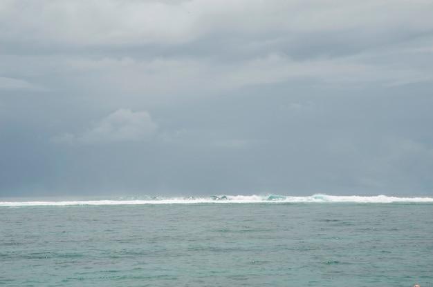 Paysage marin à bali Photo Premium
