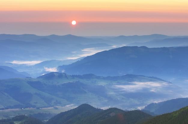 Paysage De Montagne Photo Premium
