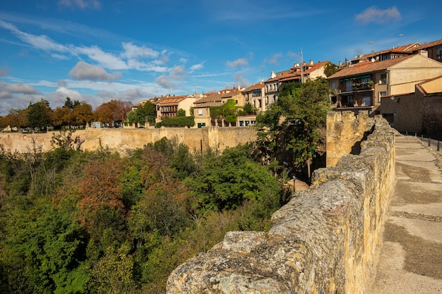 Paysage Des Murs Médiévaux De Ségovie Photo Premium