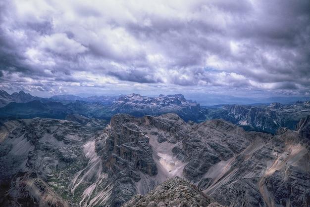 Paysage naturel de montagnes Photo gratuit