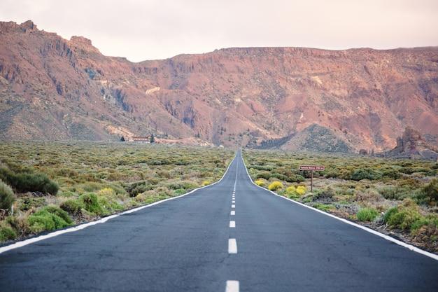 Paysage routier de tenerife Photo gratuit