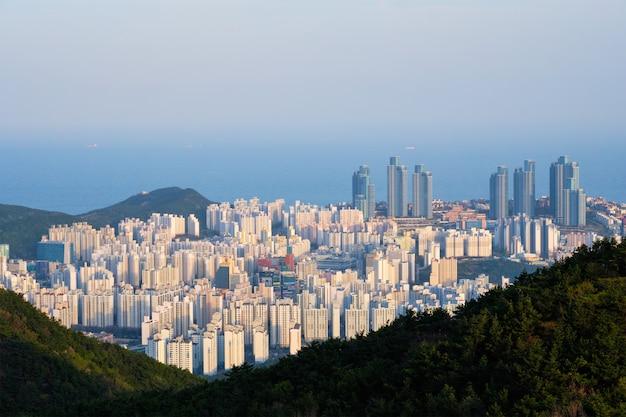 Paysage Urbain De Busan Gwangan Bridge Sur Coucher De Soleil Photo Premium