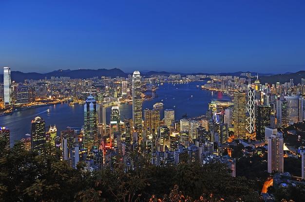 Paysage urbain de hong kong la nuit Photo Premium