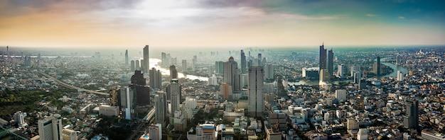 Paysage Urbain De La Thaïlande Sur Le Coucher De Soleil Photo Premium