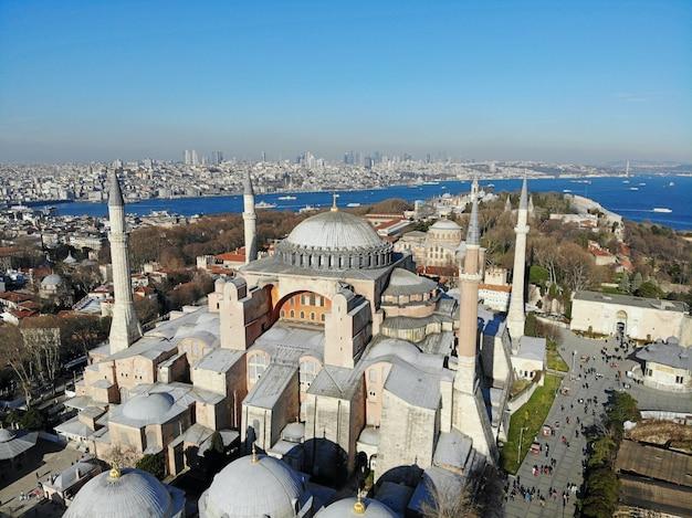 Paysage De La Ville D'istanbul En Turquie De La Mosquée Aya Sofia Photo Premium