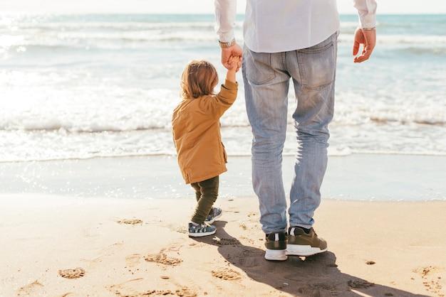 Père, fils, mer Photo gratuit