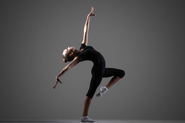 Performance des filles gymnast Photo gratuit