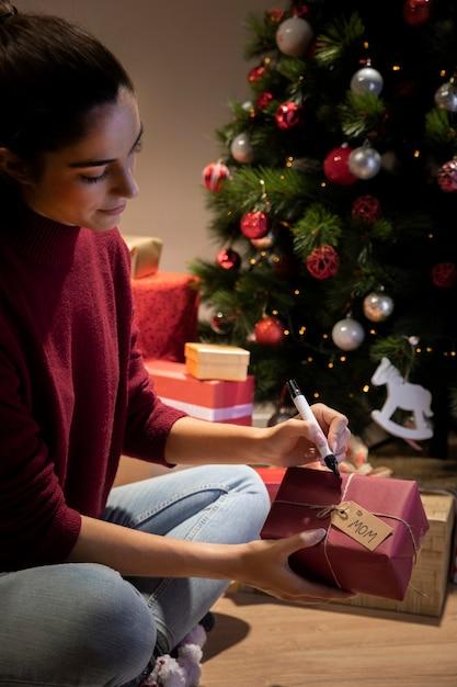 Personnaliser Des Cadeaux La Nuit Précédant Noël Photo gratuit