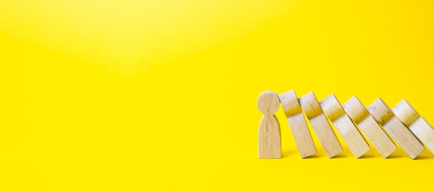 Personne Arrête La Chute De Chiffres Comme Des Dominos Photo Premium