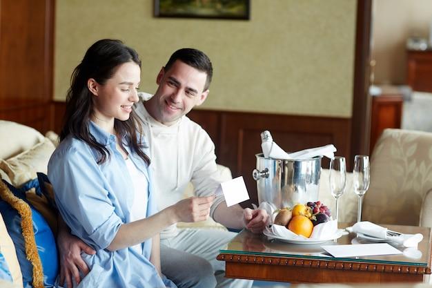 Petit déjeuner à l'hôtel Photo gratuit