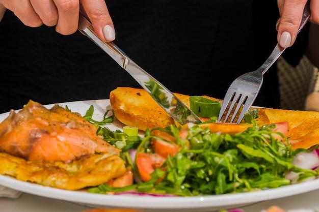 Petit-déjeuner Sain Avec Des Légumes Photo gratuit