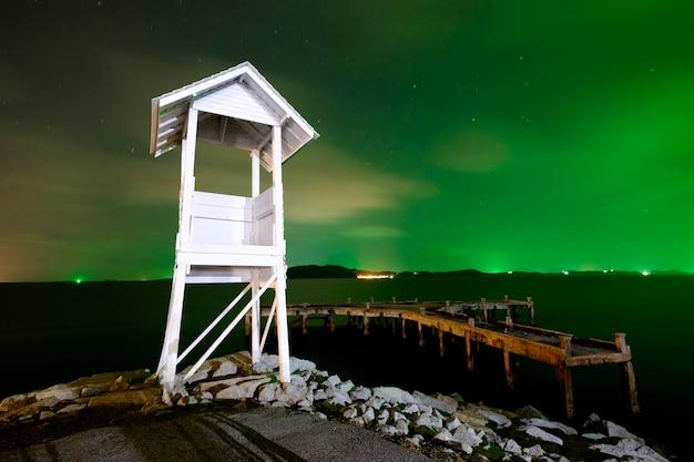 Petit phare et mer Photo gratuit