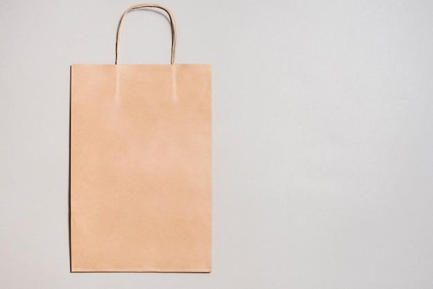 Petit sac de papier kraft Photo gratuit