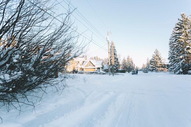Petit village en hiver Photo gratuit