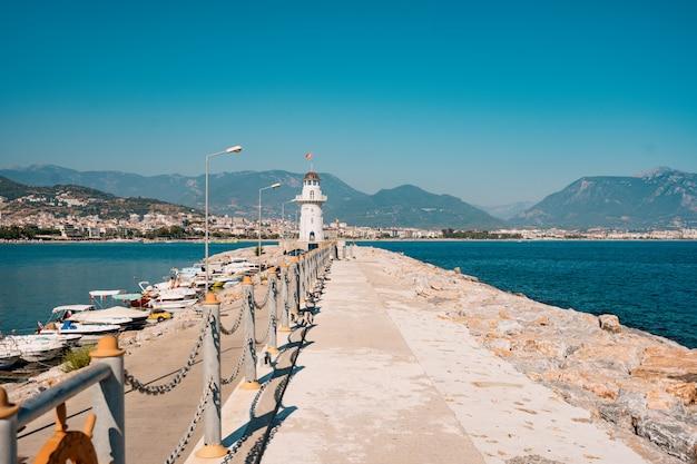 Phare Au Port. Turquie, Alanya. Photo gratuit