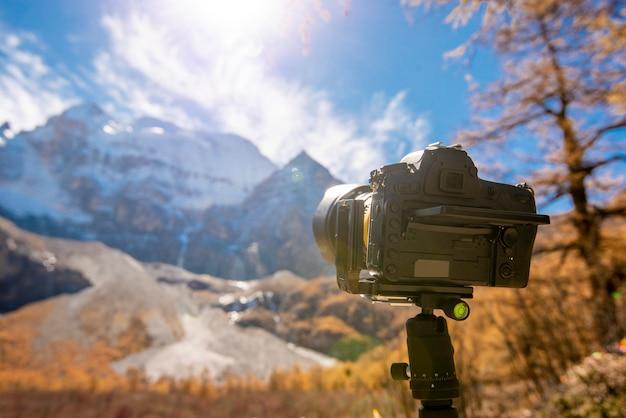 Photographie, la caméra est un paysage de montagne Photo Premium