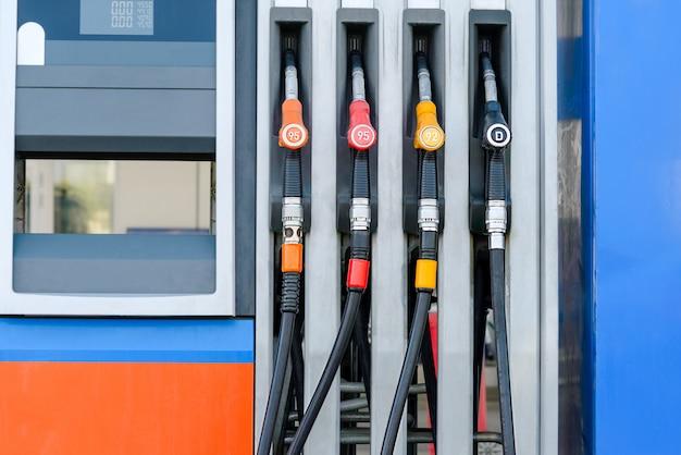 Photographie d'une station d'essence Photo Premium