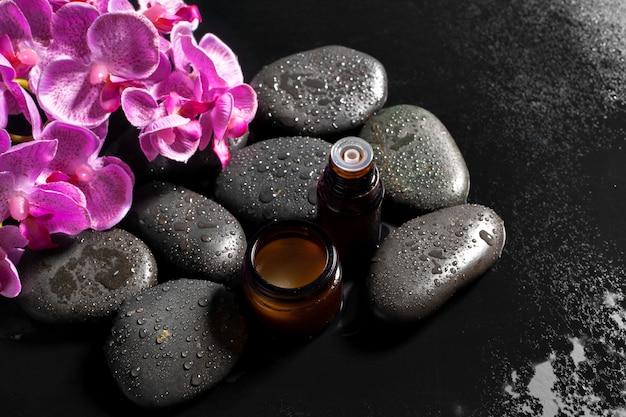 Pierres noires pour traitement spa Photo Premium