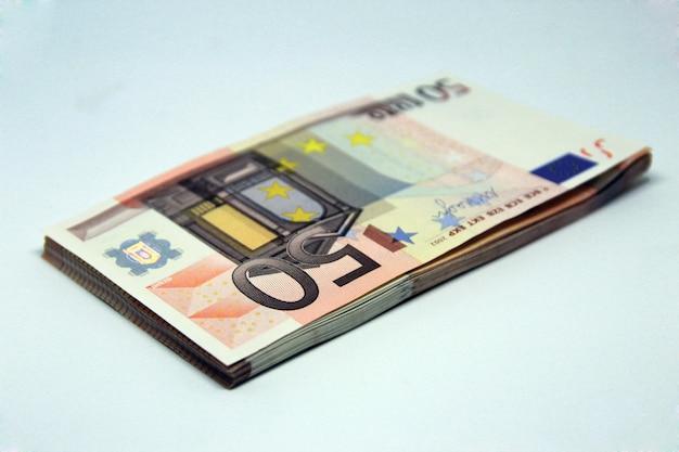 Pile De 50 Euros Photo gratuit