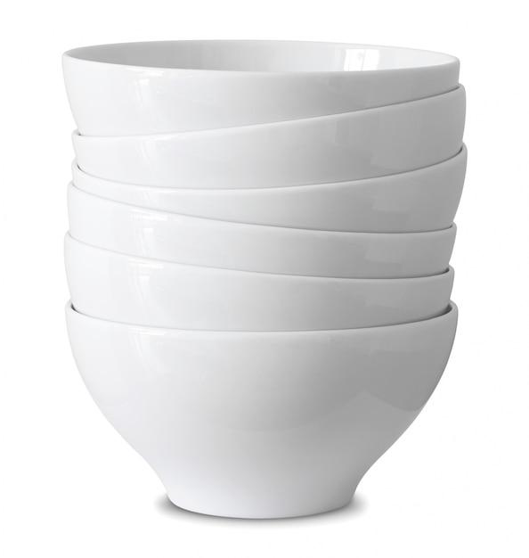 Pile de bol blanc isolé sur blanc avec un tracé de détourage Photo Premium