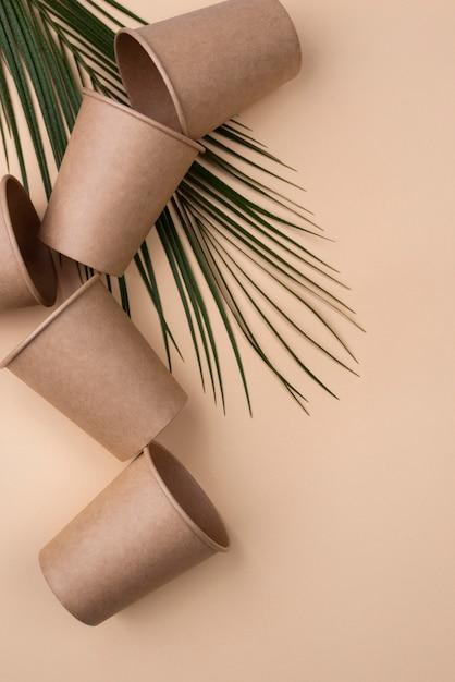 Pile De Tasses écologiques Vue Haute Photo gratuit
